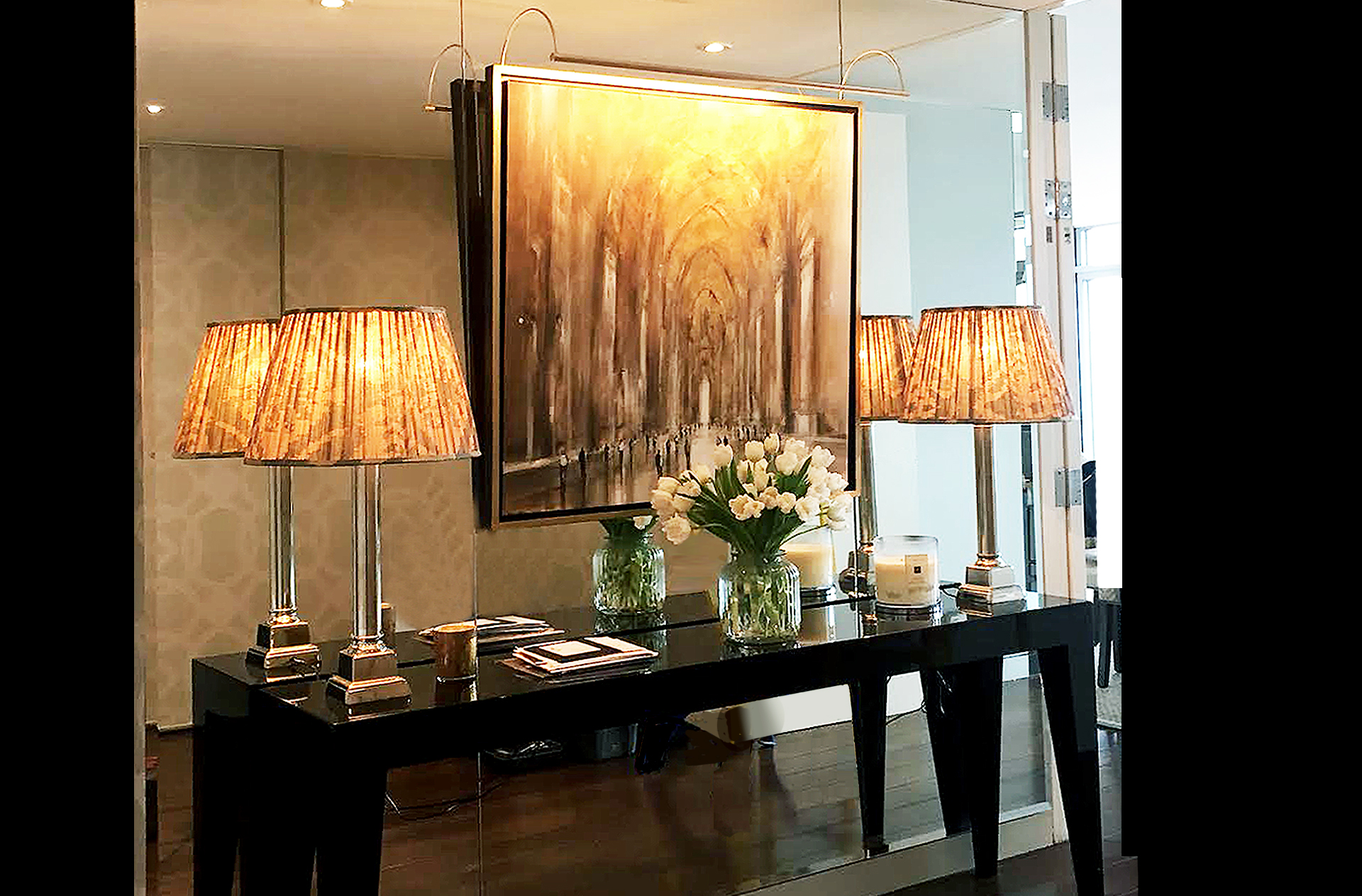 dorchester hotel picture lights, london. Pencil picture lights lit by hogarth lighting